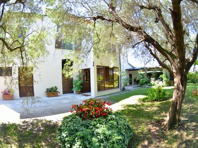 Photo for Beautiful private villa for 8 people with WIFI, TV, patio and parking, close to Forte Dei Marmi