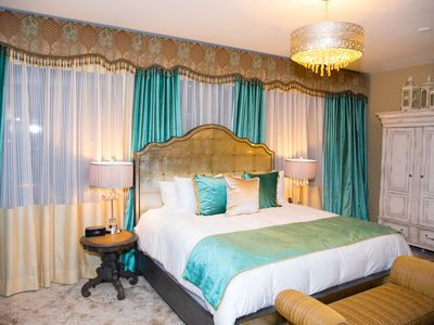 Boutique Hotel in the hear of Detroit!