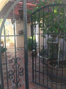 CHARMING CASITA WITH PRIVATE COURTYARD ENTRY.  GREAT N. SCOTTSDALE LOCATION