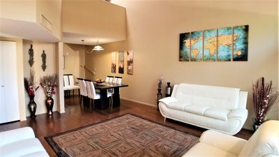 Large Central Townhome Next to Racquet Club and on The Loop