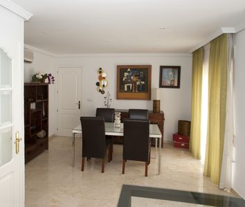 Photo for Cosy apartment, ideally situated at an unbeatable price.