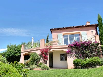 Photo for Charming villa with pool and sea view, ideal for family or friends