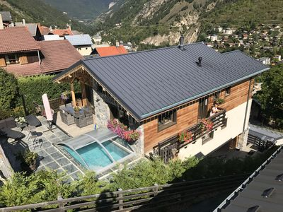 Photo for Nice and bright new chalet in wood and stones on the Three valleys,