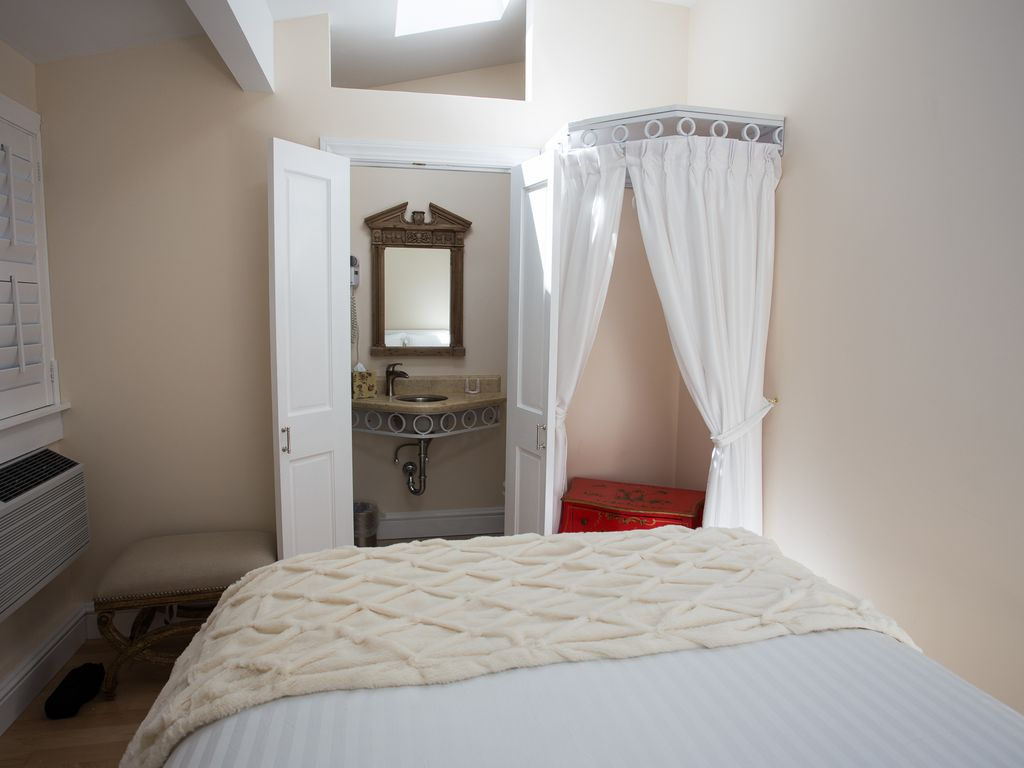 Little Bedroom Bedroom With Private Entrance Cute Little Bedroom Close To