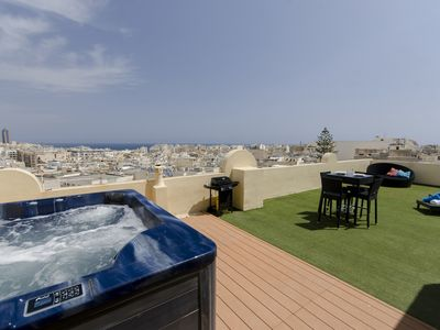 Photo for Stunning Sliema 2-bedroom Penthouse