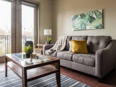 Photo for Contemporary 1BR | Arts + Dining + Shopping