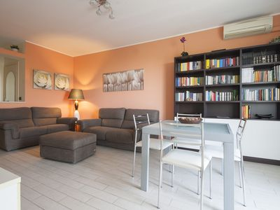 Photo for Bright 2bdr in residential area, south of Milan