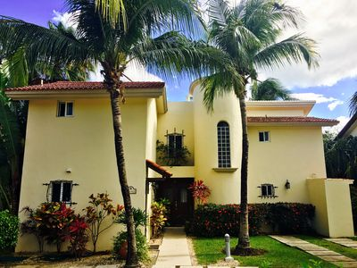Photo for Mi Casa Amarilla~Beach-150 yds~2 Pools~4 Bedrms~4.5 Baths~Walking Dist. to All