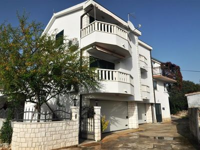 Photo for Apartment in the center of Seget Vranjica with Air conditioning, Parking, Terrace (451794)