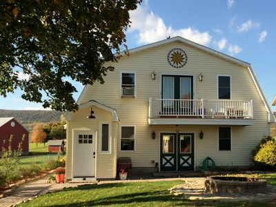 Lakeside Carriage House at Leaser Lake B and B -- cozy, comfortable, country