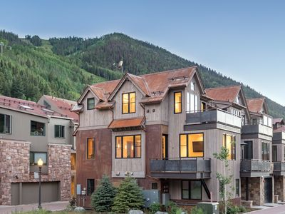 Photo for Ultra Chic Luxury Ironwood Residence in Telluride. Private Rooftop Hot Tub.