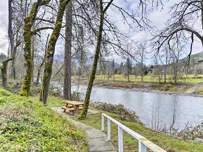 Photo for Cozy Grants Pass Home - Walk to Rogue River!