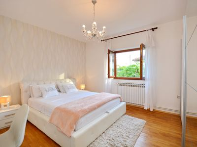 Photo for Spacious (80m2) and cosy apartment on the first floor near city center