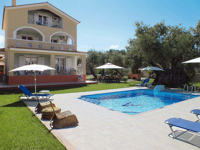 Photo for 4 bedroom Villa, sleeps 8 in Tsilivi with Pool, Air Con and WiFi