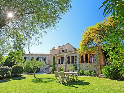 Photo for 4 bedroom Villa, sleeps 8 in Saint-Raphaël with WiFi