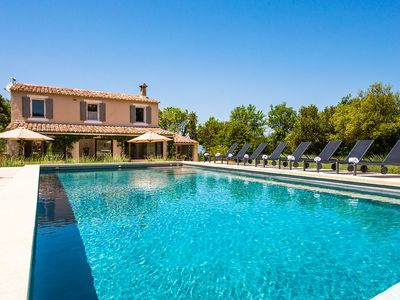Photo for 4BR Villa Vacation Rental in Luberon, Provence