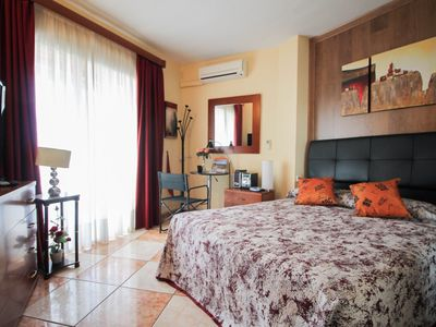 Photo for 2 bedroom apartment with pool and sea views, Duchess 704