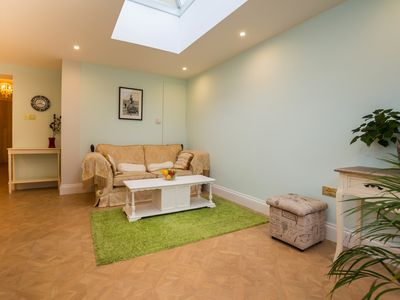 Photo for Luxurious and Bright 1 Bedroom Flat with a Garden!
