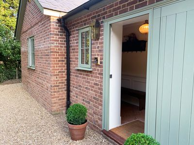 Photo for Luxury Three Bedroom Coach House with Private Gardens