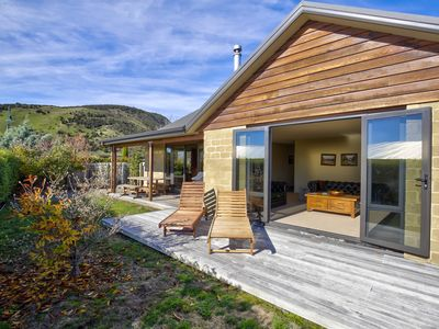 Photo for Incredible Mountain View   Charming and Modern   Convenient location