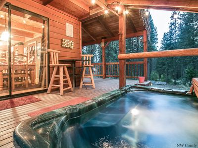 Photo for Take some Thyme Out with a private hot tub, WIFI, Sat. TV and Fido OK