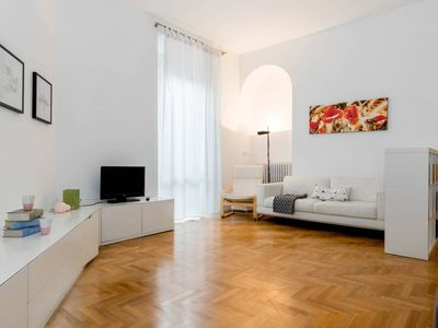Photo for Darsena apartment in Navigli with WiFi & air conditioning.