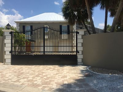 Photo for Gated, 3b/2b Single Family Oasis 1 Block to Siesta Village