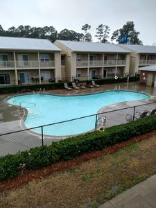 Beautiful renovated condo overlooking pool. 2nd floor