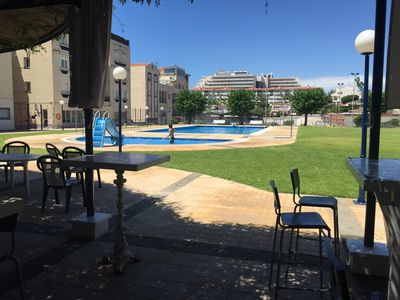 Great communal swimming pool and tennis courts area