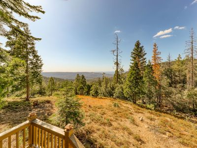 Cute & cozy mountain cabin w/ beautiful views - watch the sunset from your deck!