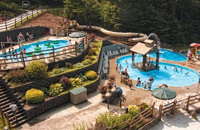 Photo for Smugglers Notch Resort 2 bedroom PREMIUM Condo (week of August 18-23 sun-fri)