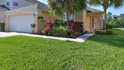 Photo for Stay in Waterside Villa - a 4 bed family pool home in Emerald Island near Disney
