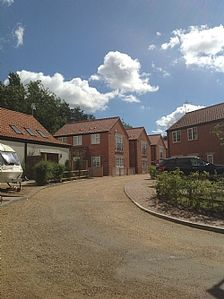 Photo for Modern, 3 bedroom self catering property, right next to Norfolk Broads, sleeps 6