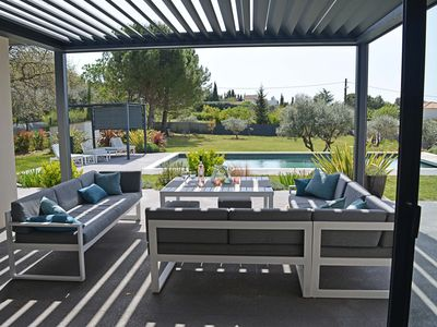 Photo for Beautiful and modern Villa with Pool and automated Pergola, Aix en Provence