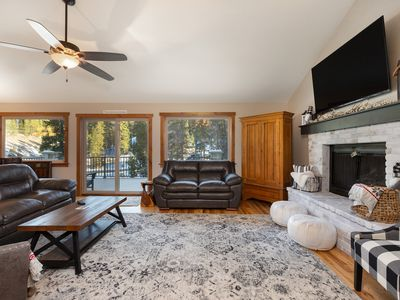 Photo for Mountain Home w/Private Hot Tub, 2 Masters, 2 Living Areas, Free WIFI