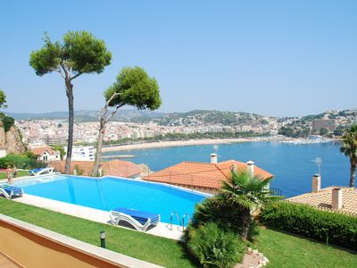 Photo for Apartment with joint pool and fantastic sea view
