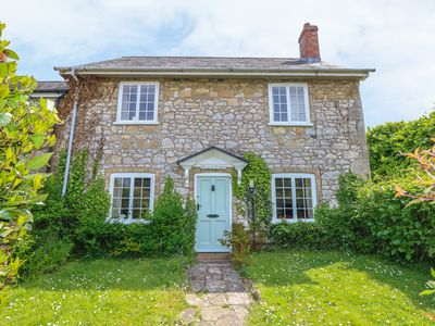 Photo for Rose Cottage, FRESHWATER