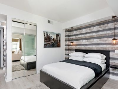 Photo for One bedroom Luxury Apartment in Yorkville Village