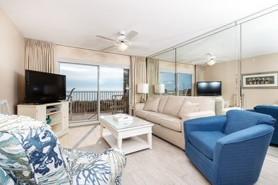 BRAND NEW END OF 2017 furniture and coastal furnishings - Beach front living room with plenty of seating