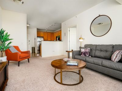 Photo for Kasa | Chicago | Cozy 1BD/1BA South Loop Apartment