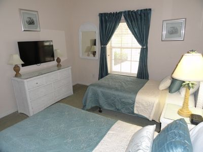 3rd BR with 2 twin beds and 32' flat screen TV