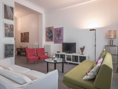 Photo for CASA ROSA - a central, bright and glamorous apartment