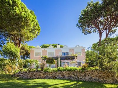 Photo for Quinta do Lago 2BR - Quiet and Stylish Accommodations, Resort Golf and Pool!