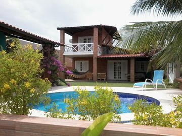Cozy house with private pool, closed cond view. 100 m to the beach