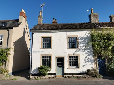 Photo for BEAUTIFUL GRADE II COTTAGE NUNNEY, FROME nr BRUTON