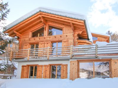 Photo for Chalet Teremok - Fabulous 5-bedroom spa chalet with indoor jacuzzi & sauna