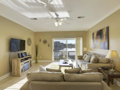 Photo for Lakefront Townhouse - Great Location