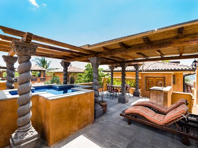 Photo for Jacuzzi, private pool, Beautiful 3BR, BBQ, sleeps 8