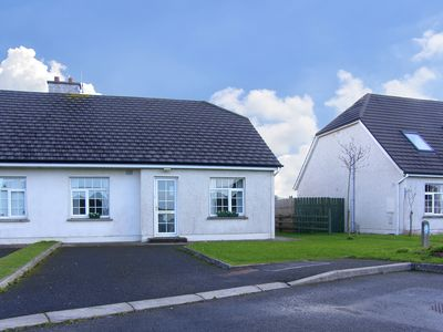 Photo for Semi-detached Bungalow for 4/6