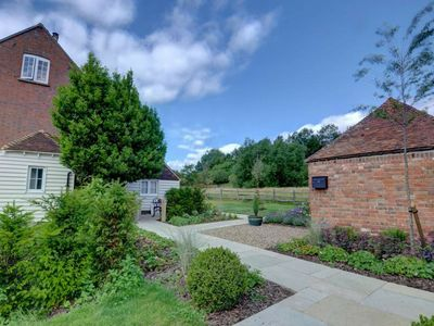 Photo for Gorgeous holiday home overlooking the spacious county of Weald of Kent
